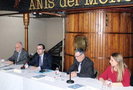 La Fundación Aduanera tiende un puente para comunicar el conocimiento de los expertos en aduanas